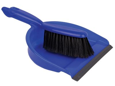 Cleaning Surfaces With The Dust Pan & Brush Set (Soft)